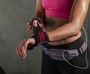 Podjetje Sport2people s svojimi produkti za tek, fitnes, jogo in prosti čas navdušuje kupce po vsem svetu.